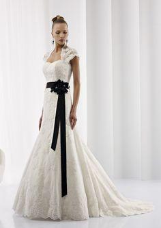 Collezione abiti da sposa #Jolies, abito da #sposa modello JOAB13287IVBK
