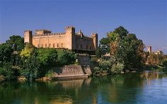 Castle of the Duke of Arion by the Tajo River at Malpica de Tajo, west of Toledo, Castilla-La Mancha, Spain.