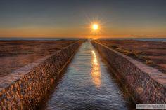 Canal de La Mata, conductor de agua hasta la Laguna de La Mata. Amanecer en La Mata (06.04.2013)