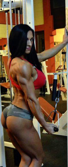 Female Form #StrongIsBeautiful #Inspiration #WomenLift2 Ramona Braun