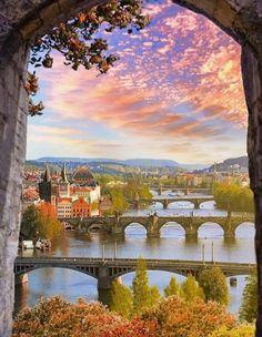 Prague Guide, Elementary Drawing, Charles Bridge, Prague Czech Republic, Beautiful Day, Happy Life, Golf Courses, Sunrise, Sky