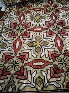 Cross Stitching, Cross Stitch Embroidery, Embroidery Patterns, Cross Stitch Patterns, Palestinian Embroidery, Needlepoint Pillows, Crochet Needles, Patterned Carpet, Handmade Books