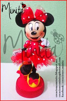 CREACIONES MINITA: Muñeca Minnie Mouse en fomi 3D Diy Crafts For Gifts, Foam Crafts, Crafts For Kids, Minnie Y Mickey Mouse, Mickey Party, Doll Face Paint, Diy Y Manualidades, Mickey Mouse Birthday, Mickey And Friends