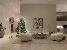 Kourtney Kardashian home Home Room Design, Dream Home Design, Home Interior Design, Living Room Designs, House Design, Casa Jenner, Kris Jenner House, Kendall Jenner Room, Kardashian Home
