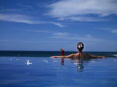 Do you want to swin in an infinite edge pool?? Just in the JW Marriott Guanacaste Resort & Spa Costa Rica www.marriott.com/sjojw
