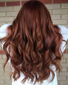 How to remedy the curls are not rolled up? Daily care is indispensable. – Page 16 – Hairstyle redhaircolor 677369600188462306 Hair Color Auburn, Brown Hair Colors, Brown Auburn Hair, Brown Hair With Red Tones, Hair Color Green Eyes, Autumn Hair Colors, Medium Auburn Hair, Burgundy Hair, Balayage Hair