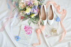 wedding details, свадебные детали, туфли невесты, букет невесты, шелковые ленты