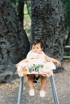 The birthday girl! http://www.stylemepretty.com/living/2015/07/08/organic-countryside-garden-first-birthday-party/ | Photography: Khanh Hogland - http://khanhhogland.com/