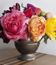 Heirloom rose bouquet from Farouche.