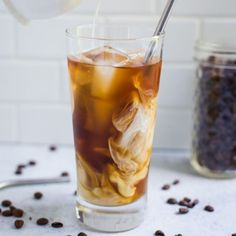 How to make ridiculously easy Cold Brew Coffee! How to make ridiculously easy Cold Brew Coffee! Homemade Cold Brew Coffee, Cold Brew Coffee Recipe, Making Cold Brew Coffee, How To Make Ice Coffee, How To Brew Coffee, Iced Coffee At Home, Coffee Drinks, Coffee Coffee, Sweet Coffee