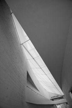 modern art museum Kiasma by Steven Holl, 1998  www.arndDewald.com