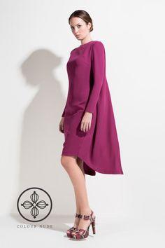 Vestido corto con capa 4