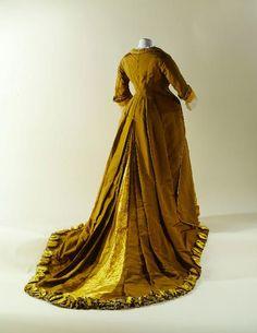 Dress 1874 Musée Galliera de la Mode de la Ville de Paris OMG that dress!