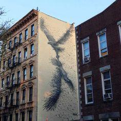 DALeast est une street artiste prolifique qui vient de terminer ce mur au cœur de New York.