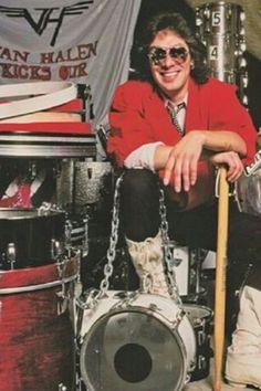 My favorite Musicians Alex Van Halen, Eddie Van Halen, Wolfgang Van Halen, Van Halen 5150, Atomic Punk, Red Rocker, Drum Music, 80s Music, Ludwig Drums