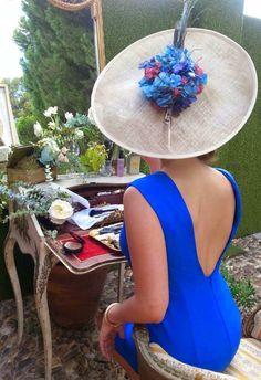 confesiones de una boda   Blog de bodas con toda la inspiración para novias & invitadas con estilo. Tendencias para estar guapas. http://www.carmenmerino.net/portada/guapas-con-sombreros-tocados-y-mas/