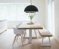 Hout in de keuken: hardhouten boomstamtafel