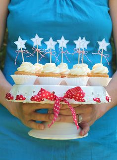 """""""sparkle"""" cupcake toppers"""