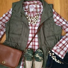 Plaid + camo + cargo vest + pearls #plaid #pearls #camo #oldnavy #gap #salvationarmy #coach #thrifted #thriftfind #thriftshopping