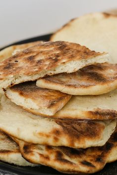 A simple and delicious Thermomix Naan Bread that is perfect served with curries rice butter chicken and Vegan Recipes Easy, Vegetarian Recipes, Thermomix Bread, Baked Yams, Butter Chicken, Curries, Naan, Food Preparation, Main Meals