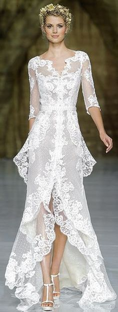 PRONOVIAS - Romantic showing of SPRING 2015~Love the Layering in this Beautiful Lace Gown~❥pronoviasweddingdress.com