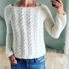 Twist It Up is now available for FREE on my blog in sizes s-xl. I will pick three random ig-friends who suggested names and you get a free pattern of own choise. #freepattern #byprojecthandmade #knitting #tfw #slowfashion #linkinprofile
