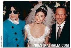 MJ, President of Sony Music Tommy Mottola and wife Thalia during the weeding of Mottola at St Patrick's Cathedral, New York city December 2 2000 Tommy Mottola, Jimmy Junior, Michael Jackson Memes, New York City December, Talia, I Call Your Name, Epic Pictures, Mexican Actress, King Of Music