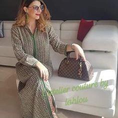 L'image contient peut-être: 1 personne, debout Lady Dior, Tweed, Dresses For Work, Caftans, Motifs, Instagram, Style, Fashion, Colorful Wallpaper