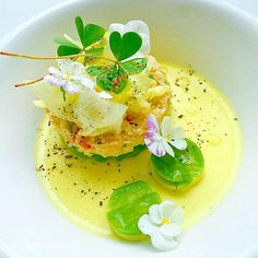 Yellow pepper and fennel panacotta with avocado/iceberg lettuce & coriander oil and fresh crab meat.""