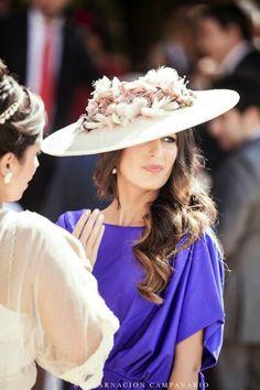 My friend /tocado/carmensanchez Fascinator Hats, Fascinators, Headpieces, Wedding Guest Looks, Ascot Hats, Fancy Hats, Kentucky Derby Hats, Headpiece Wedding, Hats For Women