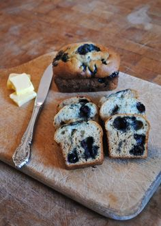 banana blueberry bread- can sub other ingredients to make it healthier. Blueberry Banana Bread, Dessert Recipes, Desserts, How To Make Bread, Bread Recipes, Baked Goods, Sweet Treats, Bakery, Easy Meals