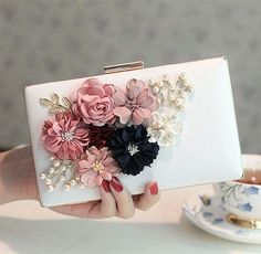 2017 women bag hot hand evening bags new the chain the Appliques pattern flowers wedding dinner bags Free Shipping