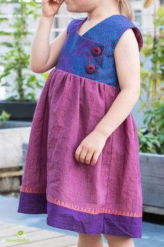 August Dress im Juni Baby Girl Dress Patterns, Sewing Patterns Girls, Sewing For Kids, Kids Summer Dresses, Girls Dresses, Diy Clothing, Sewing Clothes, Little Girl Outfits, Kids Outfits