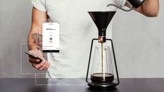 The first smart coffee instrument with a built-in scale and an app enables you to brew coffee with pour-over, immersion and cold drip.