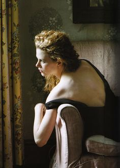 Nicole Kidman by Annie Leibovitz, 1997 - I love Annie Leibovitz Photos, as lovely as any oil painting.