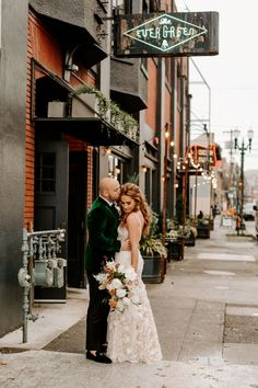 This rustic emerald green wedding inspiration has us swooning | Image by Karra Leigh Photography Plan My Wedding, Wedding Advice, Elegant Wedding, Fall Wedding, Modern Lanterns, Emerald Green Weddings, Rustic Wedding Inspiration, Ceremony Backdrop, Evergreen