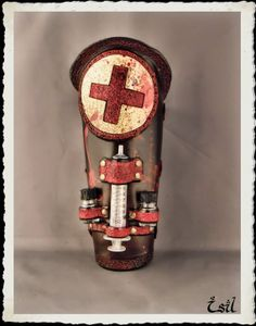 Leather bracer - Nurse -