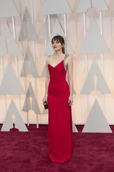 How stunning did Dakota Johnson look at the Oscars last night?