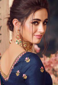 Beautiful Girl In India, Most Beautiful Indian Actress, Simply Beautiful, Beautiful Women, Cute Beauty, Beauty Full Girl, Indian Girls Images, Bollywood Actress Hot Photos, Indian Beauty Saree