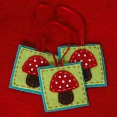 DIY Felt Woodland Mushroom Ornament tutorial...so adorable!  To Make for Natalie's Christmas Tree :)