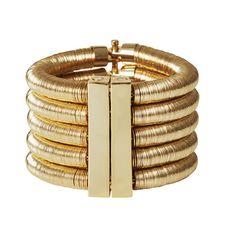 Un bracelet doré aimanté