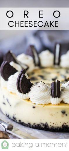 Oreo Cheesecake: smooth, creamy vanilla cheesecake with chunky hunks of crunchy Oreos in every luscious bite! Small Cheesecake Recipe, Oreo Cheesecake Cookies, Oreo Cheesecake Recipes, Homemade Cheesecake, Oreo Cake, Cheesecake Bites, Oreo Brownies, Raspberry Cheesecake, Pumpkin Cheesecake
