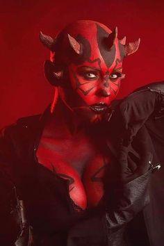 Stefani Dee as Darth Maul Star Wars Mädchen, Star Wars Girls, Reina Amidala, Disfraz Star Wars, The Dark Side, Star Wars Personajes, Darth Vader, Star Wars Wallpaper, Maquillage Halloween