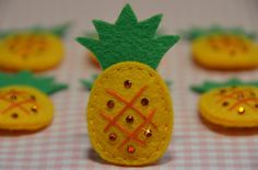 Pineapple Appliques: Who knew pineapples were a cute fruit? This store has lots of cute appliques... <3