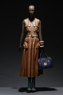 See all the Collection photos from Loewe Autumn/Winter 2008 Ready-To-Wear now on British Vogue Fall Winter, Autumn, Heritage Brands, Loewe, Camel, Ready To Wear, Statue, Leather, How To Wear