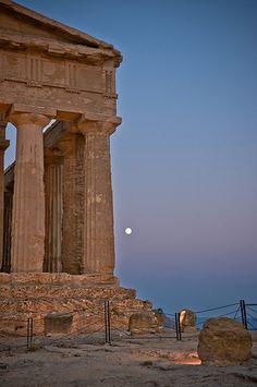 Tempio della Concordia, Agrigento, Sicily, Italy #agrigento #sicilia #sicily
