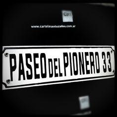 Clásco cartel enlozado. Classic enamelsign with street name and number. #lovelysign #enamelsign #enamel