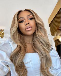 Blonde Hair Black Girls, Honey Blonde Hair, Blonde Wig, Blonde Weave, Medium Blonde Hair, Champagne Blonde Hair, Peinado Updo, Curly Hair Styles, Natural Hair Styles