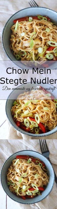 Stegte nudler er altid rigtig lækkert og jeg elsker virkelig chow mein. Simpelt, nemt og lækkert. Det er stegte nudler for hele familien. Du kan altid komme andre slags grøntsager i end dem jeg bruger. Server evt med stegt kylling til. #Nudler #Chowmein #Aftensmad #Stegtenudler #Grøntsager Chow Mein, Other Recipes, Recipies, Food Porn, Snacks, Chicken, Ethnic Recipes, Nice, Recipes