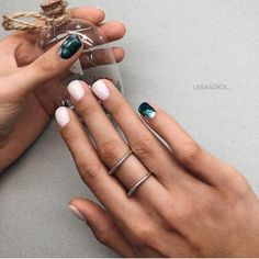 Want some ideas for wedding nail polish designs? This article is a collection of our favorite nail polish designs for your special day. Wedding Nail Polish, Nail Polish Art, Nail Polish Designs, Toe Nail Art, Wedding Nails, Nail Designs, Hot Nails, Hair And Nails, Garra